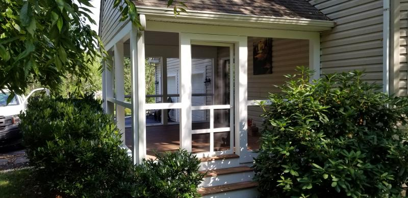Exterior Painting / Porches