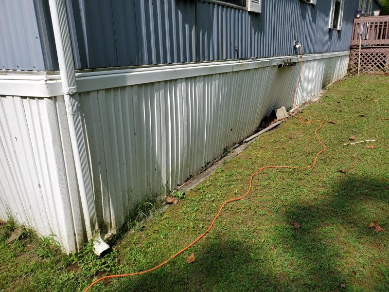 Mobile home skirting repair